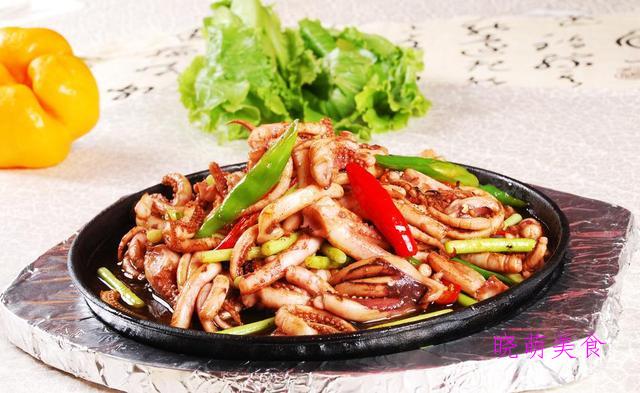 铁板烤肉、铁板鱿鱼、铁板牛肉、铁板牛蛙、铁板黑椒牛柳的做法
