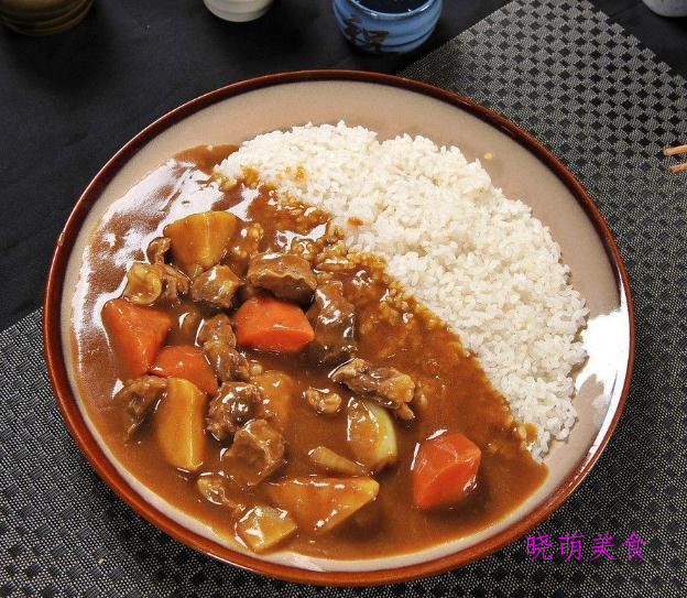 台湾卤肉饭、咖喱牛肉饭、腊肠煲仔饭的家常做法