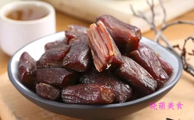五香牛肉干、芒果班戟、脆炸鸡翅、香辣炸鸡腿的家常做法