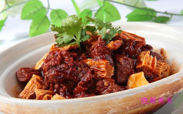 香辣花雕鸡、酱烧牛腩、香辣鸡翅、爆炒羊肉的家常做法