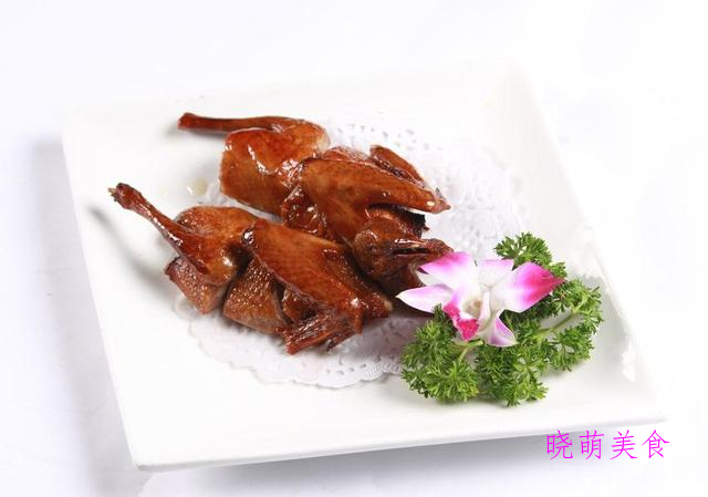 脆皮乳鸽、秘制羊排、梅子蒸排骨、山东辣子鸡的家常做法