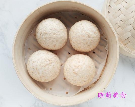 黑米馒头、牛肉蒸饺、鸡汤馄饨、牛肉拉面、手撕葱花饼的家常做法