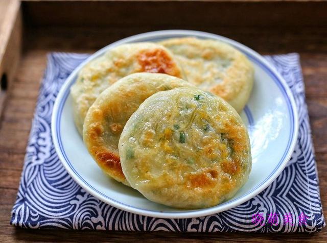 发面千层饼、红糖烧饼、手抓饼、香葱鸡蛋饼、野菜馅饼的家常做法