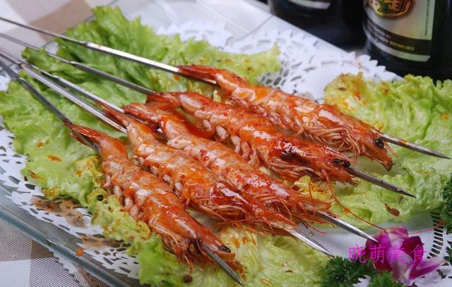 黑椒烤虾、烤肉串、蒜香烤鸡胗、烤翅根、烤豆腐的家常做法