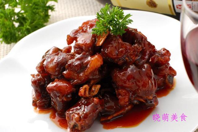 苹果排骨、蜜汁烧肉、砂锅焖羊肉、酱香鸡的家常做法