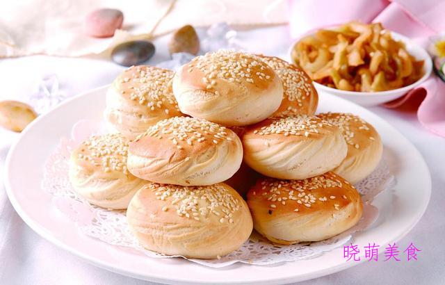 香煎肉饼、豆沙馅饼、韭菜包子、韭菜煎饺、香葱烧饼的家常做法
