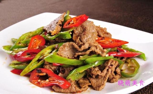 香菜炒鸡胗、干炒茶树菇、青椒爆肉、香辣土豆虾的家常做法