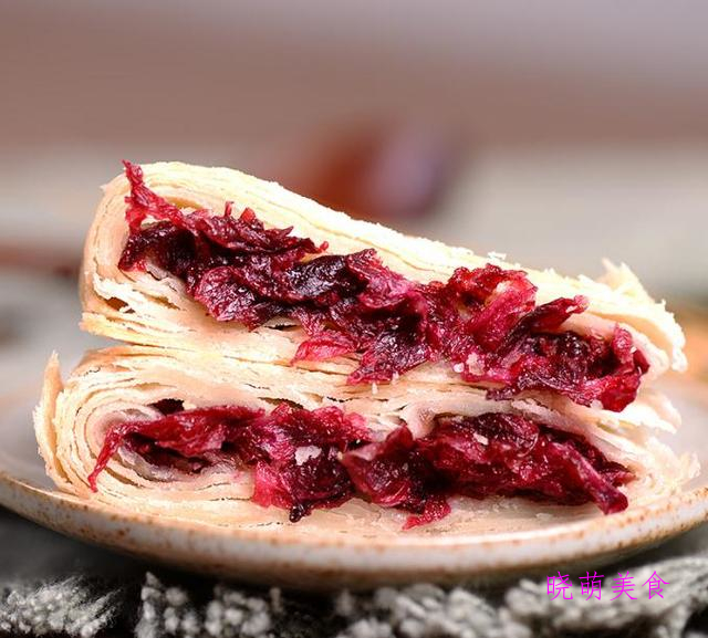 蛋黄枣泥酥、芒果慕斯蛋糕、玫瑰鲜花饼的家常做法,香甜美味