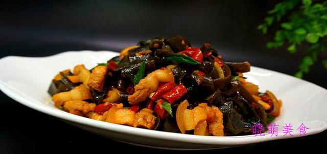 包菜炒肉、炖牛肉、干锅香辣鱼、海带烧肉的家常做法