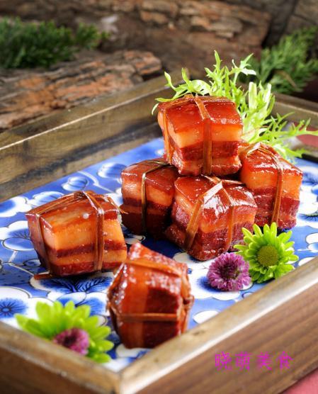 排骨年糕、稻香肉、酱汁凤爪、啤酒炖猪蹄的家常做法