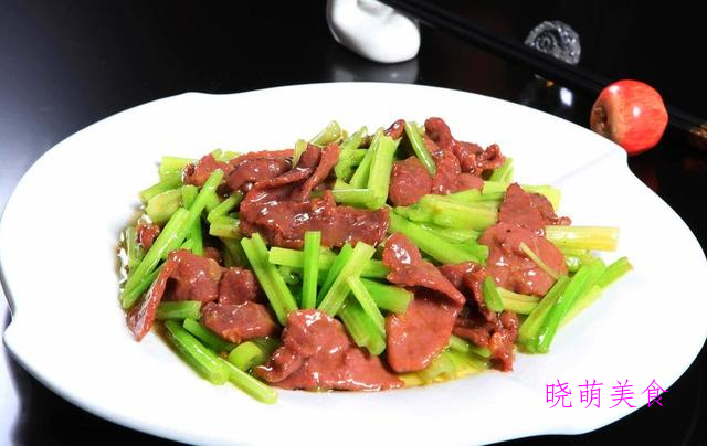 萝卜羊肉煲、清汤虾滑、酱汁鸡爪、蚝油鱿鱼花的家常做法