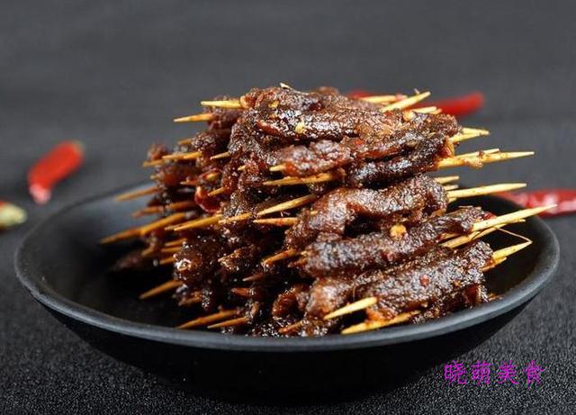 飘香酸菜鱼、爆炒肥牛、笋干炒腊肉、香辣牙签肉的家常做法