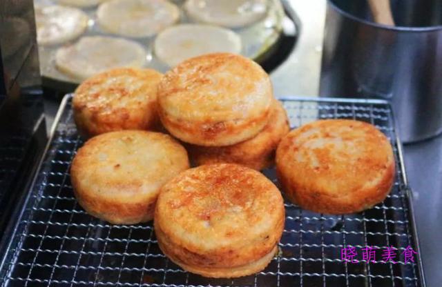 全蛋蛋糕、绿豆饼、山药栗子糕、肉松寿司卷、紫薯蜜豆包的做法