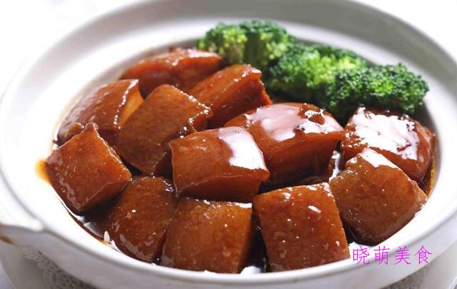 锅仔牛排骨、辣烧羊排、苏式红烧肉、葱油龙利鱼的家常做法