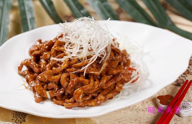西芹炒虾仁、腊肉炒土豆、香辣豆腐、苦瓜炒蛋、酱炒肉丝的做法