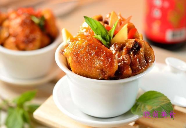 小炒四季豆、蒜烧排骨、香锅鸡翅虾、台湾三杯鸡的家常做法