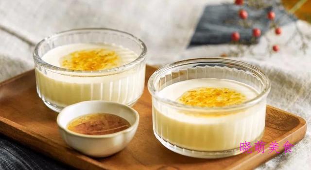 酥炸香蕉、栗子红豆糕、柠檬马芬、奶酪、蛋卷、琥珀核桃的做法