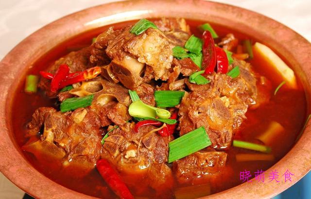 私房烧鱼块、干菜烧鸡翅、红烧羊蝎子、蛋黄狮子头的家常做法