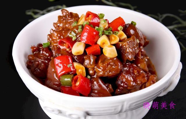 香辣酱猪蹄、孜然鱿鱼、番茄烧牛腩、盐水虾的家常做法