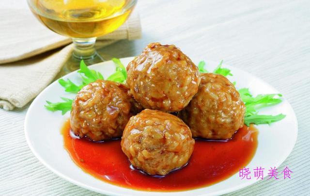 土豆烧牛腩、红卤狮子头、肉末烧豆腐、炸鱼排的家常做法