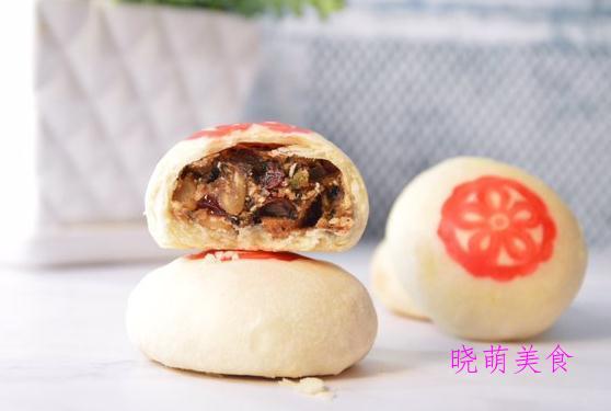 酥皮五仁月饼、绿豆冰皮月饼、紫薯月饼的家常做法