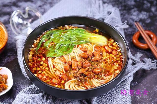 豌杂面、麻辣馄饨、酥肉小面、麻辣小面的美味做法