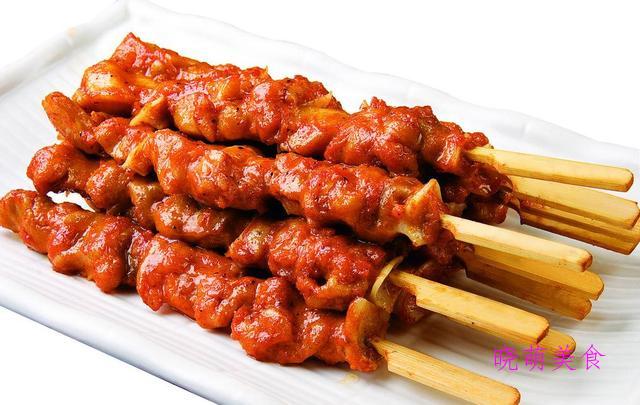 酸爽鸡爪、骨肉相连、干烧羊排、卤水牛肉、卤鸭肝的家常做法
