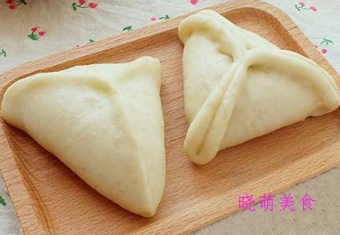韭菜鸡蛋饼、糖三角、素煎包、香菇烧卖的家常做法