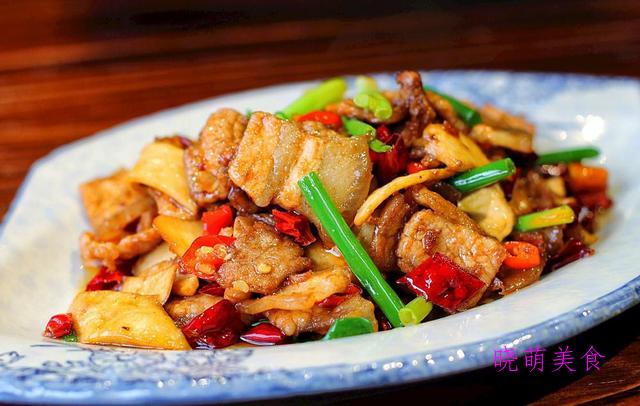 香酥酱鸭、香辣酱棒骨、辣炒五花肉、洋葱炒肉、蒜烧黄鱼的做法