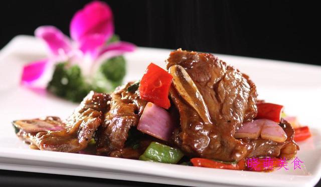 生爆肚尖、烤牛排骨、辣拌酱牛肉、无锡排骨的家常做法