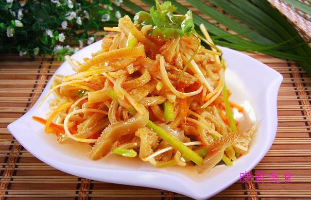 香葱鸡肉卷、酱汁凤爪、油淋仔鸡、凉拌羊肚的家常做法