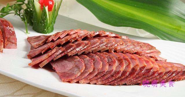 水晶肘花、客家小封肉、沾汁牛肉、香辣牛腩煲的家常做法
