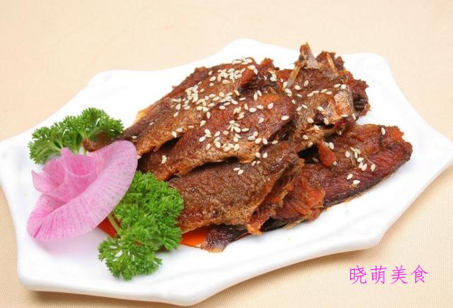 香锅鸡块、酸辣鱿鱼、酥小黄鱼、红烧驴肉的家常做法