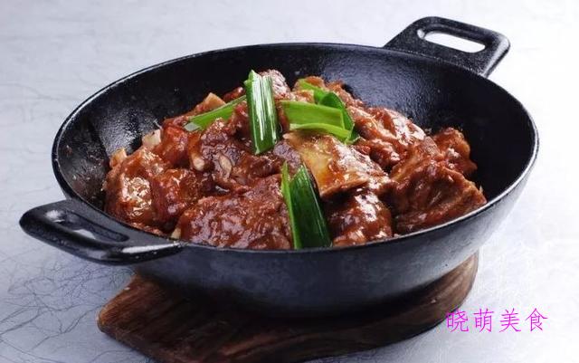 香辣酸菜鱼、蜜汁蒜香鸡、铁板牛柳、辣味排骨的家常做法
