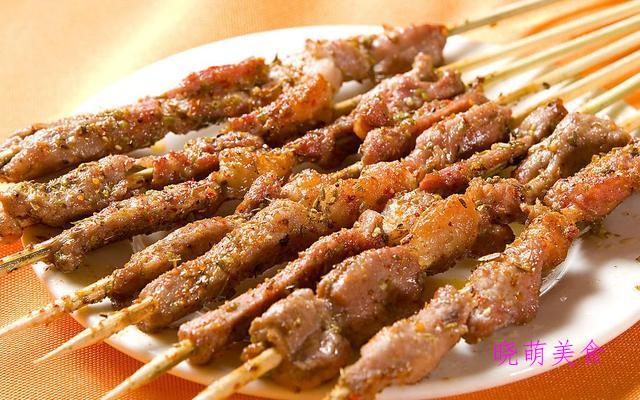油炸羊肉串、啤酒焖肉、金瓜排骨、香橙咕噜肉的家常做法