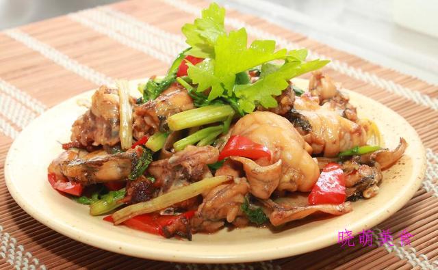泡椒鸭血、爆炒青蛙、慢炖砂锅鸭、爆炒牛肝、酸甜小酥肉的做法