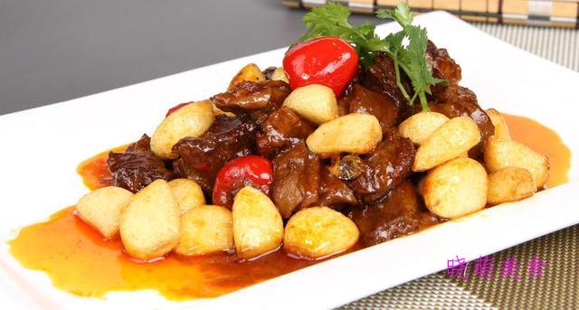 双椒牛肉、蒜香牛腩、麻辣排骨锅、辣子兔丁的家常做法