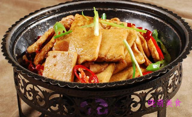 干煸田鸡、川味烧鸡、干锅豆腐、砂锅羊肉的家常做法