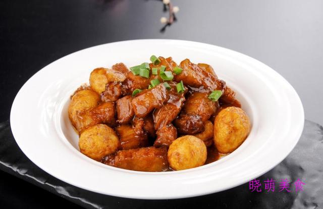 肉炖土豆、辣煸肥肠、干煸排骨、孜然五花肉、椒香鸡翅的家常做法