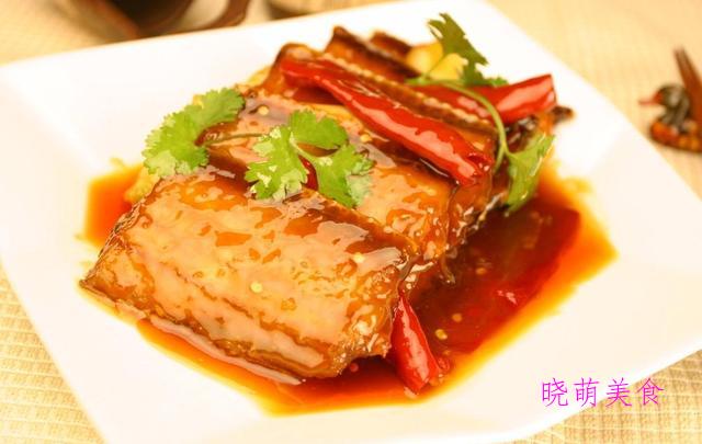 宫保鸡腿肉、蒜香多宝鱼、麻辣带鱼、蚝油鱿鱼花的家常做法