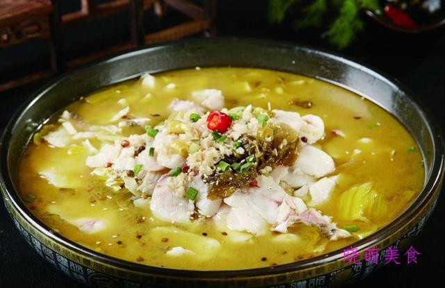 酸菜鱼炖豆腐、豆瓣鱼、小鲍鱼焖排骨的家常做法