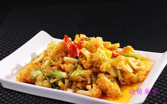 杭椒炒肉丝、青菜烧丸子、酱炒花菜、辣椒回锅肉、酱爆鸡胗的做法