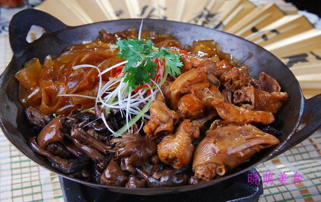 无水烧肉、家乡豆腐、香辣排骨、小鸡炖蘑菇的家常做法