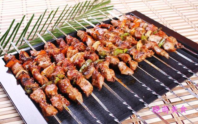 珍珠肉丸、蒜泥咸肉、孜然猪肉串、红烧甲鱼的家常做法