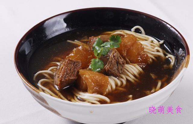 羊肉泡馍、卤牛肉面、香辣担担面、酸辣凉面的家常做法