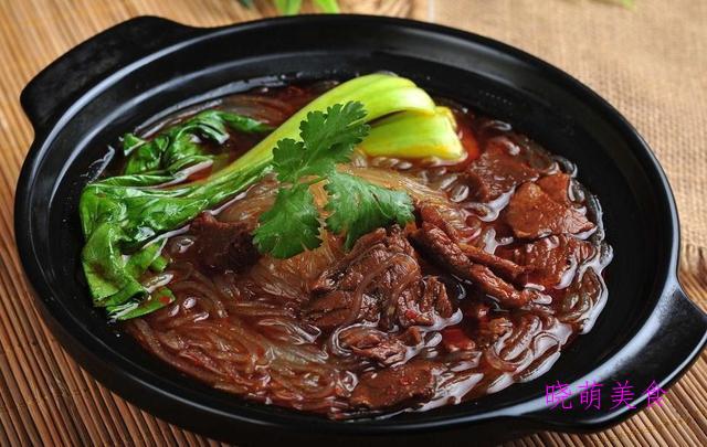 牛肉粉丝煲、广式叉烧、红烧鲍鱼、葱油焖鸡的家常做法