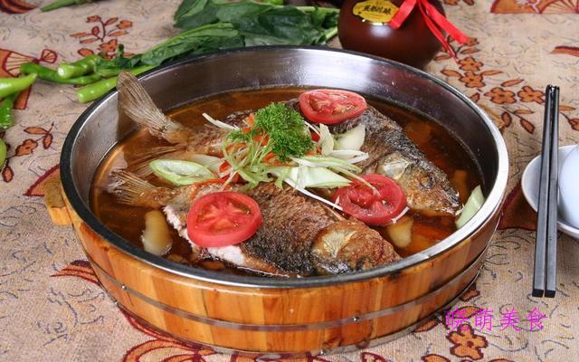 盐焗手撕鸡、啤酒鱼、排骨鹌鹑蛋、爆炒牛杂的家常做法