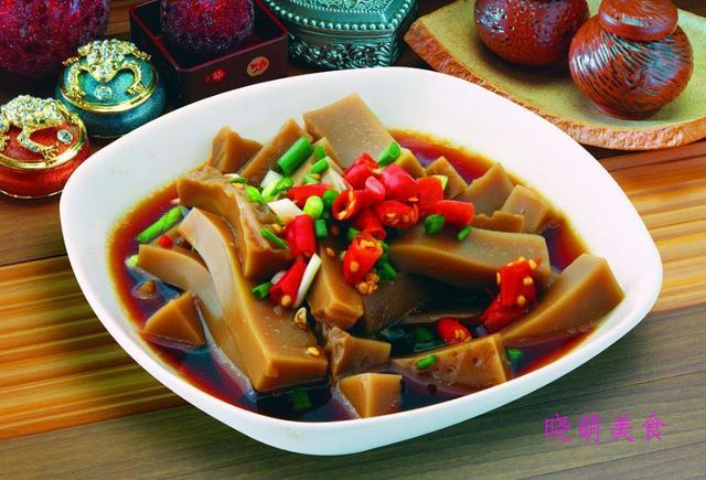 红烧魔芋、小炒杏鲍菇、粉蒸胡萝卜、辣炒海带丝、炒凉粉的做法
