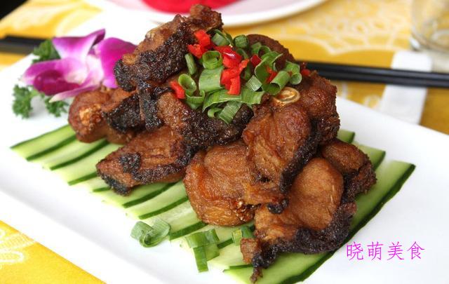 肥牛煲、双椒鸭胗、香酥鱼块、香辣黄鱼的家常做法