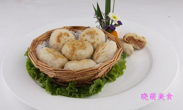烤肉包、肉丝卷饼、椒盐芝麻饼、香酥肉火烧的家常做法
